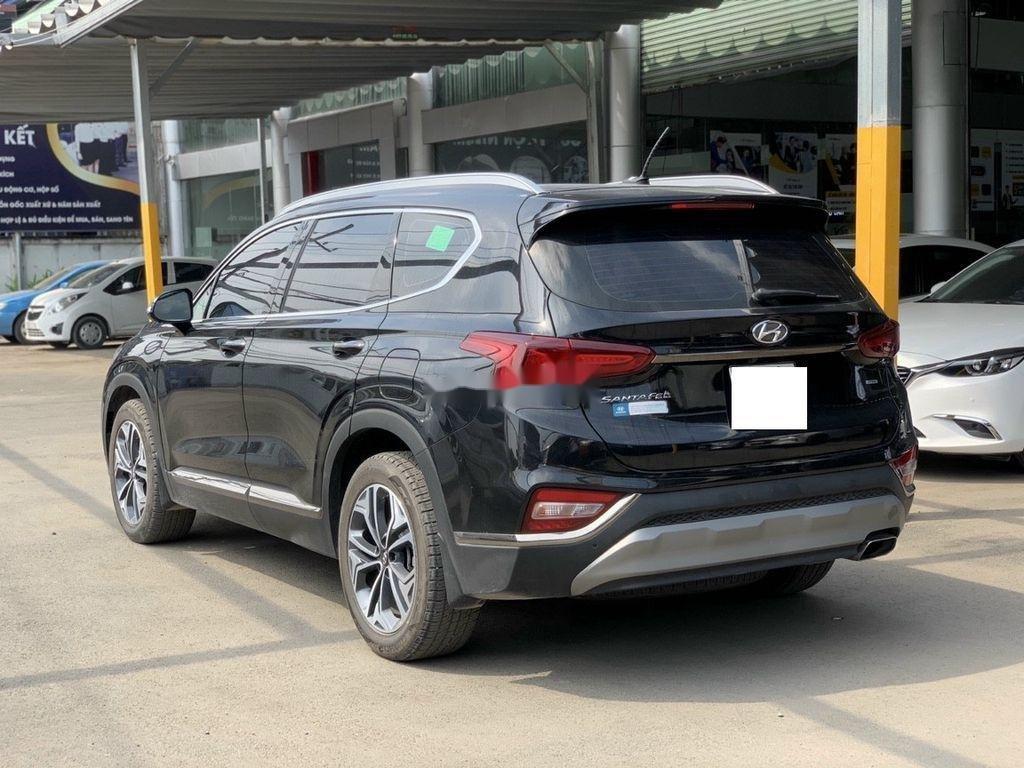 Cần bán lại xe Hyundai Santa Fe 2020, màu đen ít sử dụng (3)