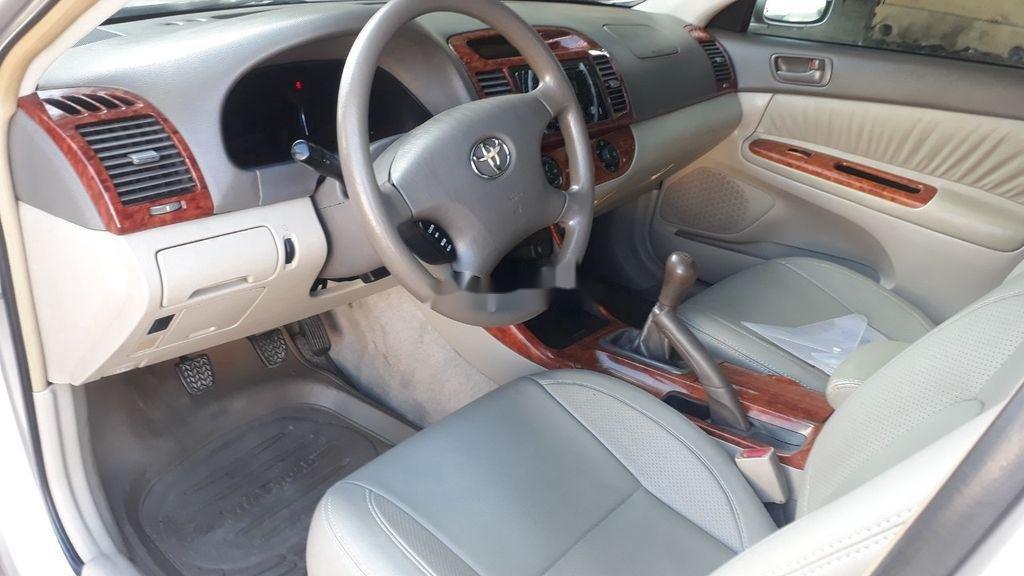 Bán Toyota Camry năm 2003, xe chính chủ giá ưu đãi (8)