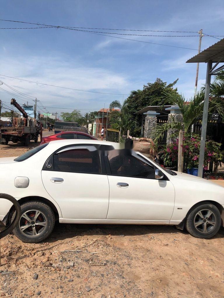 Cần bán Daewoo Lanos năm sản xuất 2001 còn mới (1)