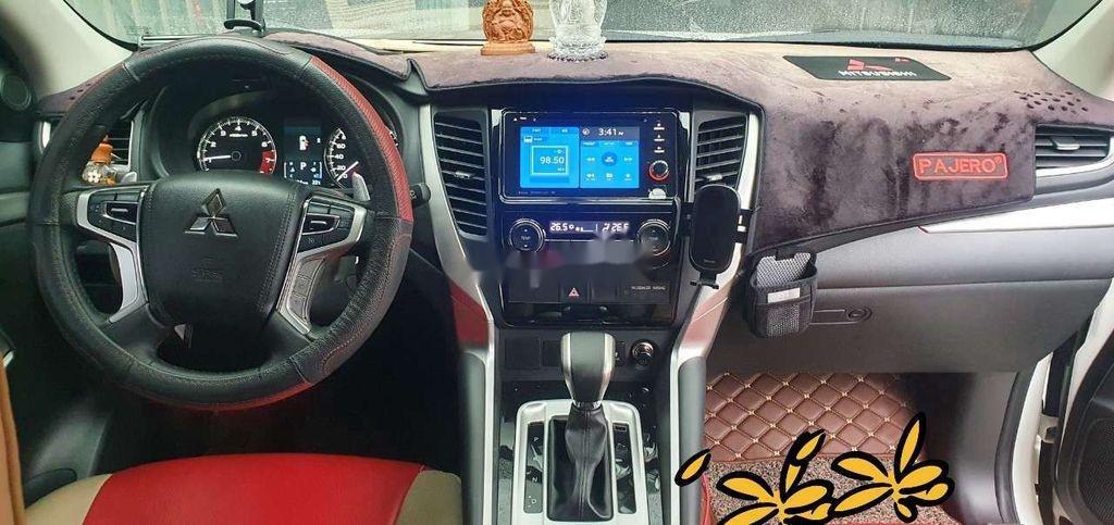 Cần bán lại xe Mitsubishi Pajero Sport sản xuất năm 2018, màu trắng (4)