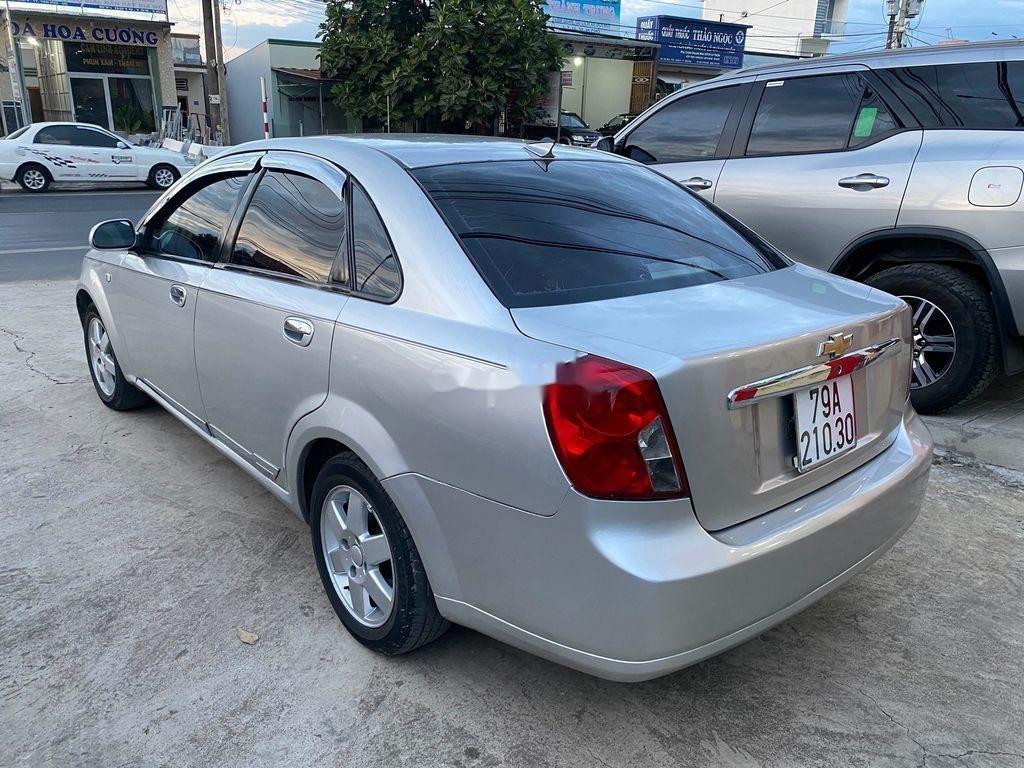 Bán xe Daewoo Lacetti năm sản xuất 2004, màu bạc (3)