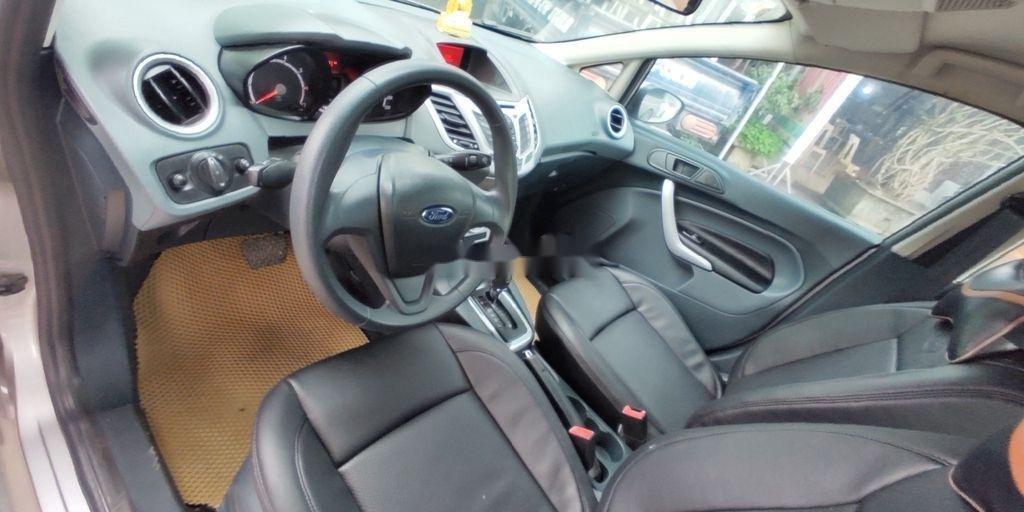 Xe Ford Fiesta năm sản xuất 2012, nhập khẩu nguyên chiếc (7)