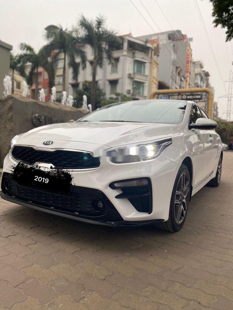 Bán Kia Cerato sản xuất năm 2019, màu trắng, giá chỉ 625 triệu (1)