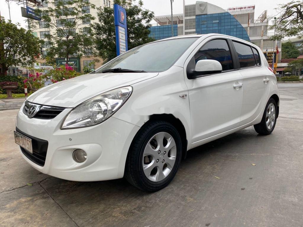 Cần bán lại xe Hyundai i20 năm sản xuất 2011, màu trắng (1)