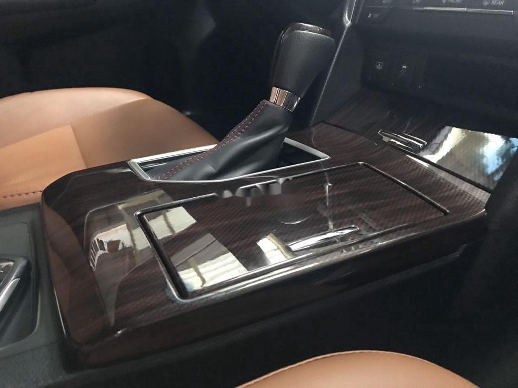 Bán Toyota Camry sản xuất năm 2018 còn mới (4)