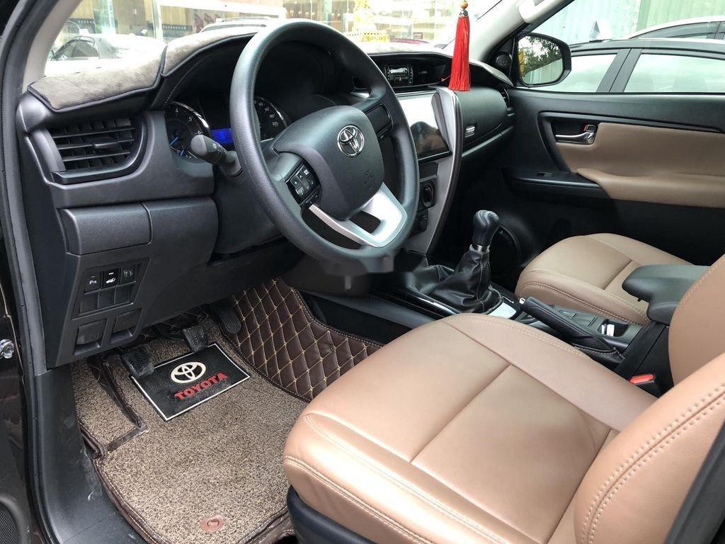 Cần bán xe Toyota Fortuner đời 2020, màu đen chính chủ, giá chỉ 980 triệu (8)