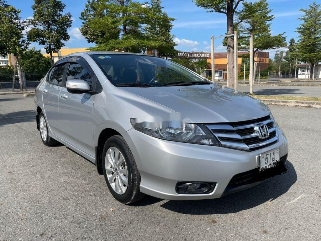 Cần bán gấp Honda City sản xuất năm 2014 (2)