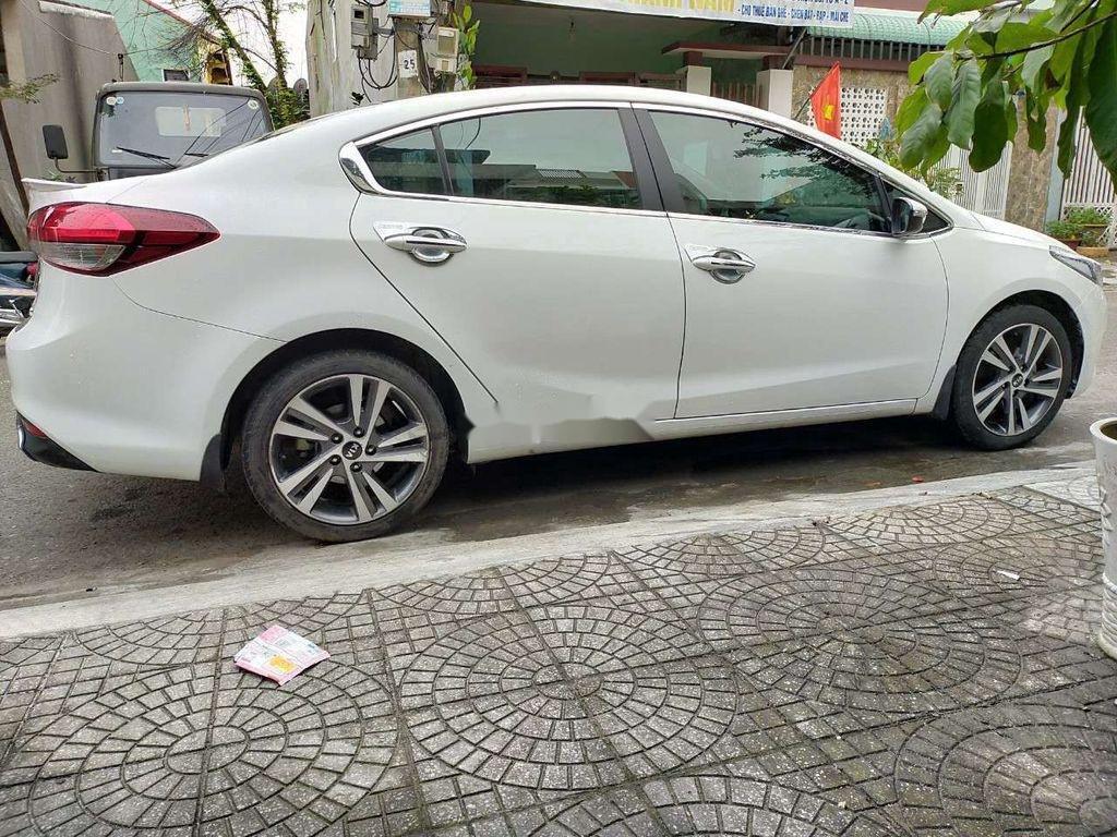 Cần bán Kia Cerato sản xuất năm 2018, giá mềm (9)