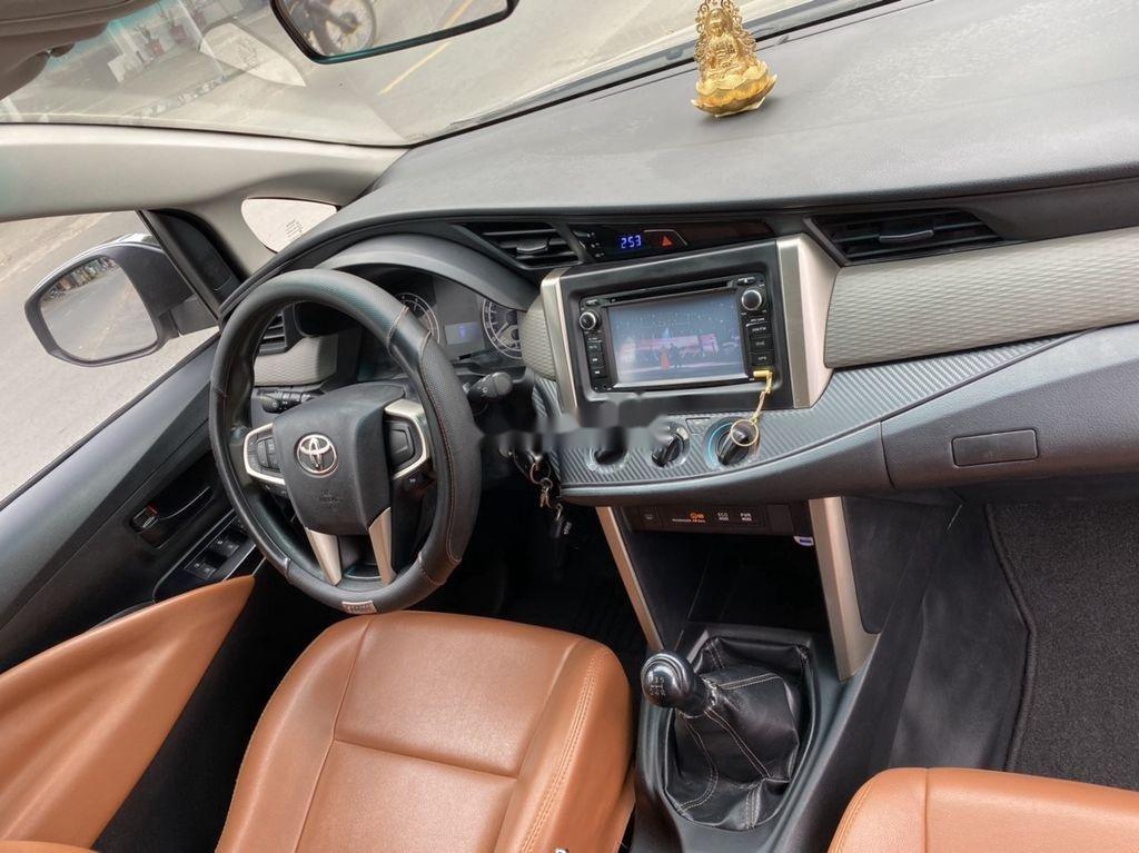 Bán Toyota Innova năm sản xuất 2016 còn mới (3)