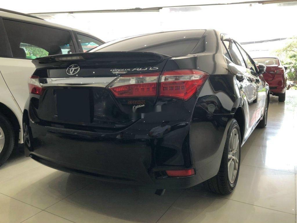Cần bán xe Toyota Corolla Altis sản xuất 2017, màu đen (8)