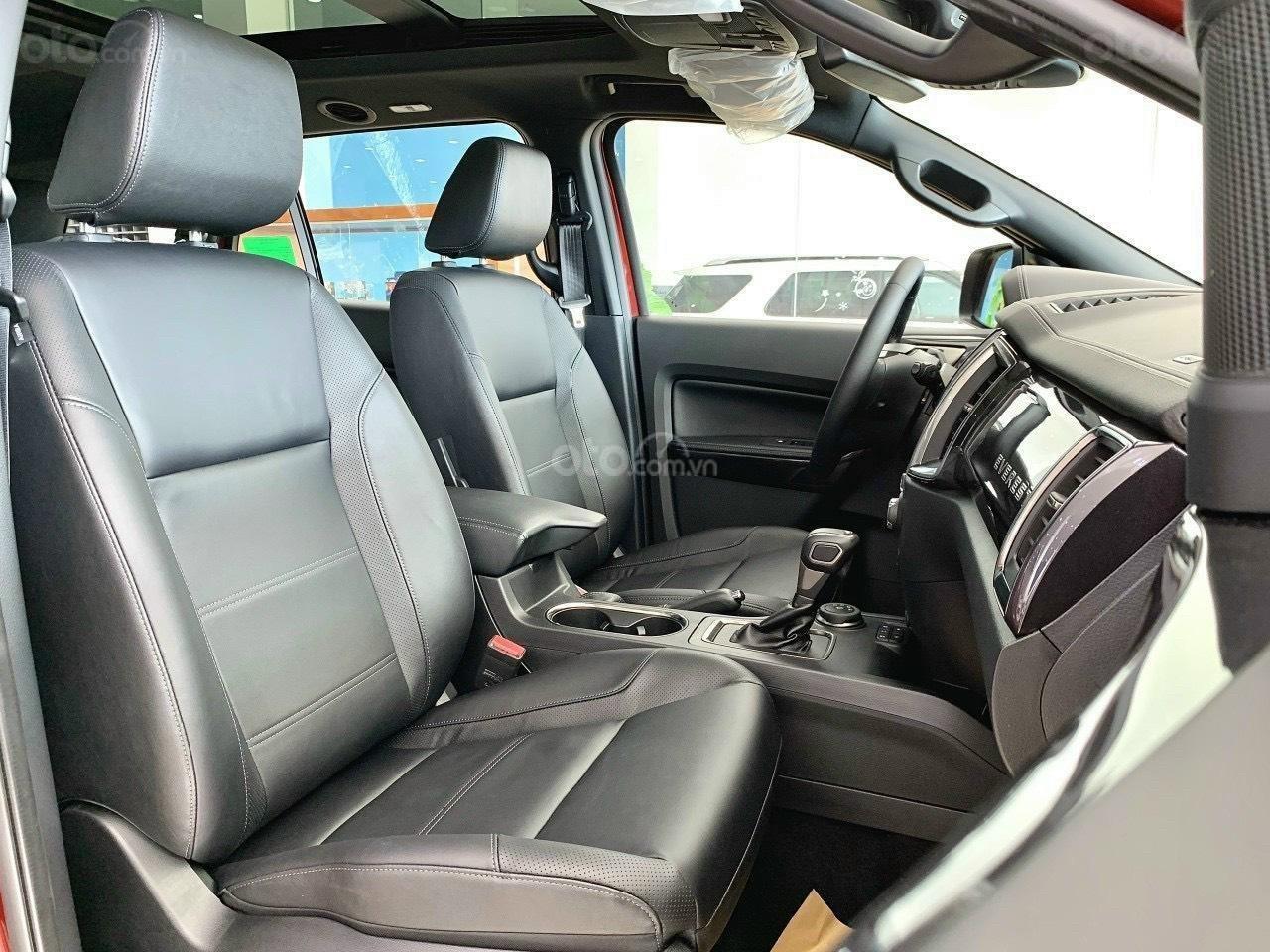 Ford Everest Titanium 2021, TT 250tr nhận xe (5)