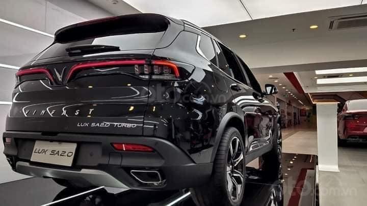 Bán xe VinFast LUX SA2.0 sản xuất 2020, màu đen (3)
