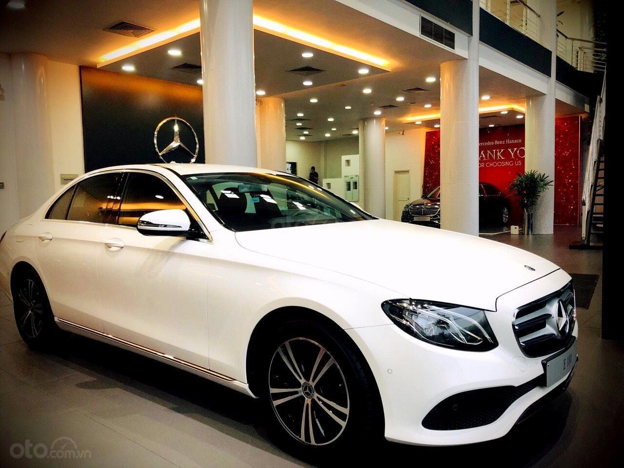 Mercedes Benz Haxaco Điện Biên Phủ, Mercedes E180 - giảm 100 triệu đến tháng 2, trả góp 80% - xe đủ màu giao ngay (2)