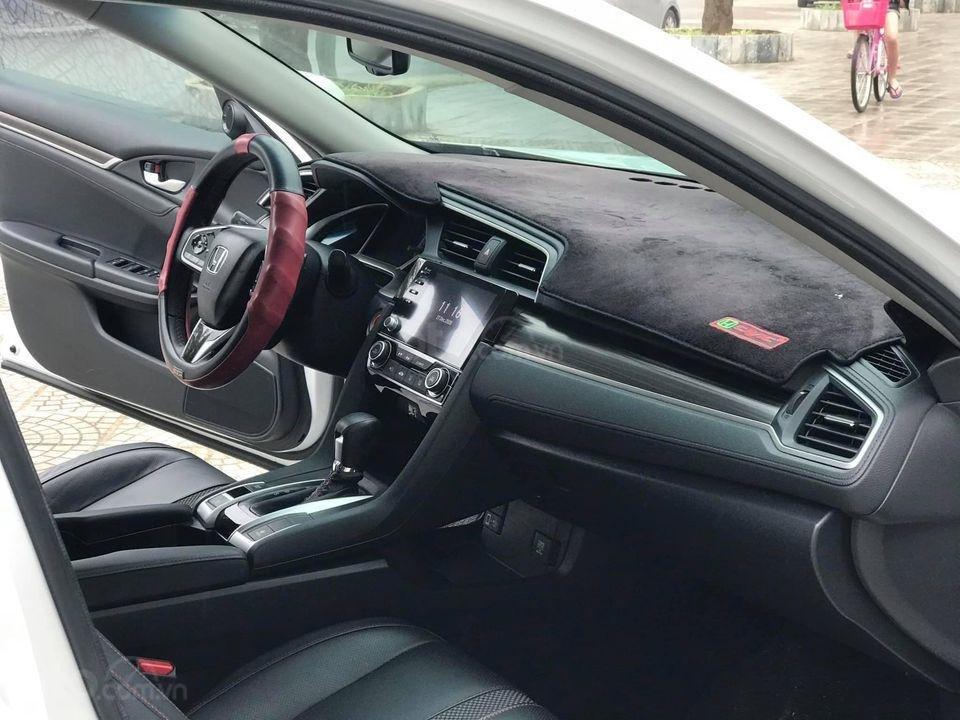 Bán ô tô Honda Civic RS sản xuất 2019, màu trắng (4)