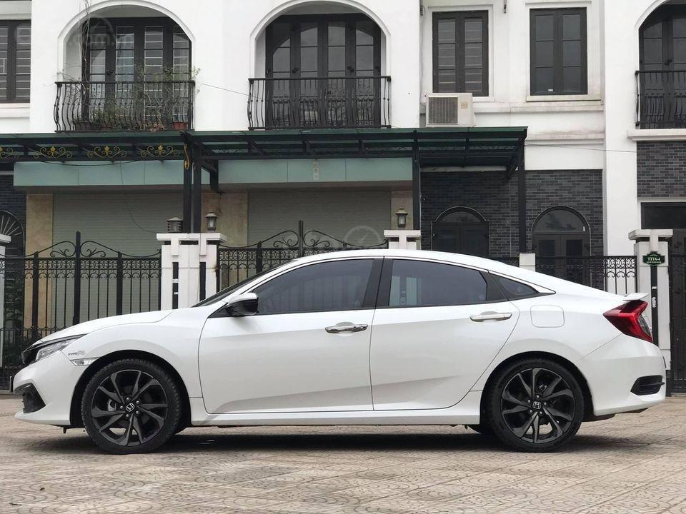 Bán ô tô Honda Civic RS sản xuất 2019, màu trắng (2)
