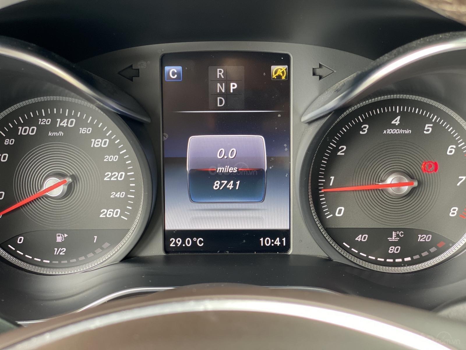 Mercedes GLC 200 sản xuất 2019 màu trắng (12)