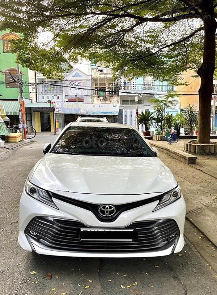Bán xe Toyota Camry 2.5Q năm sản xuất 2019, màu trắng, nhập khẩu (2)