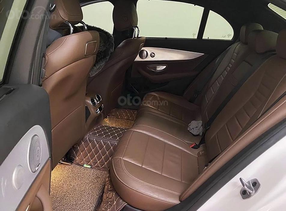 Bán xe Mercedes E200 năm 2019, màu trắng, nhập khẩu nguyên chiếc (2)