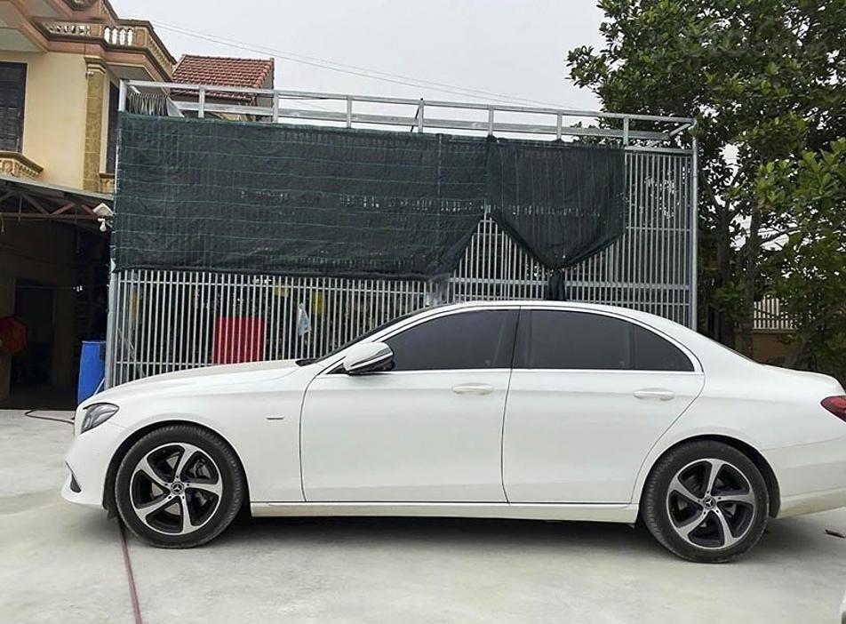Bán xe Mercedes E200 năm 2019, màu trắng, nhập khẩu nguyên chiếc (4)