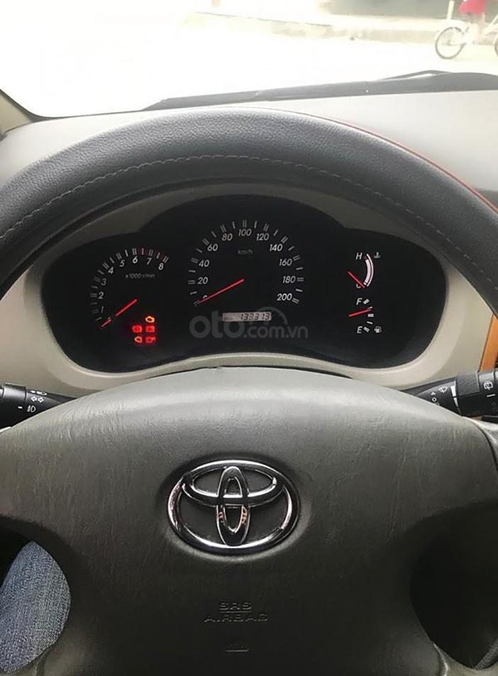 Bán Toyota Innova năm sản xuất 2011, màu bạc, giá 345tr (5)