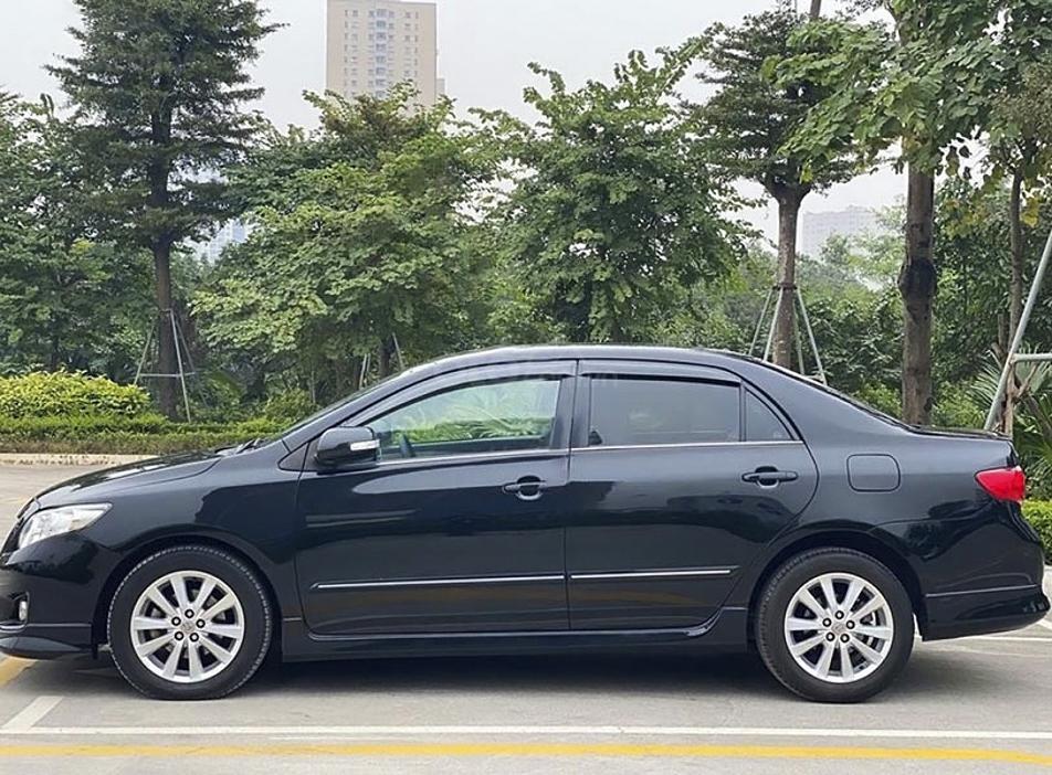 Xe Toyota Corolla Altis năm 2010, màu đen, giá mềm (1)