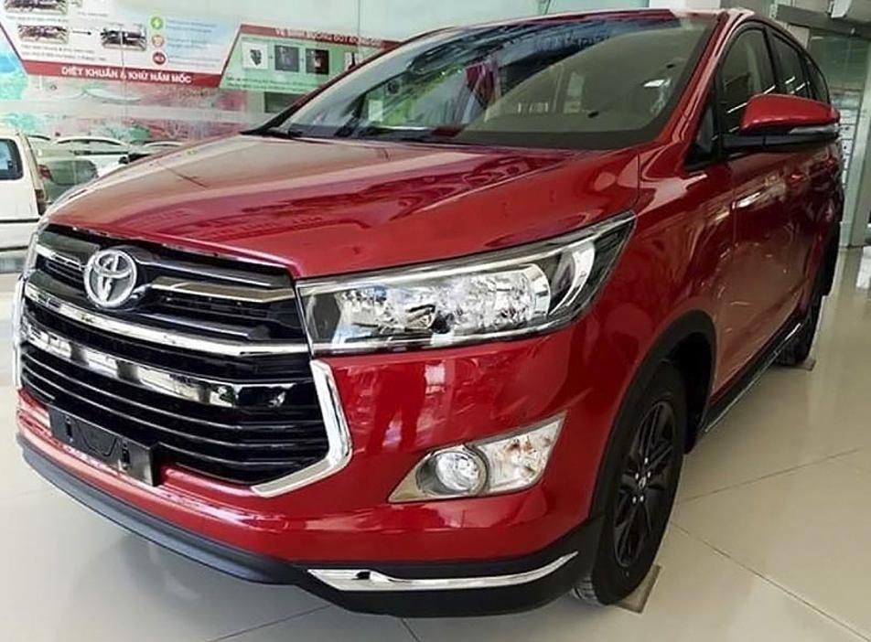 Cần bán Toyota Innova 2.0 AT Ventuner năm 2020, màu đỏ (1)
