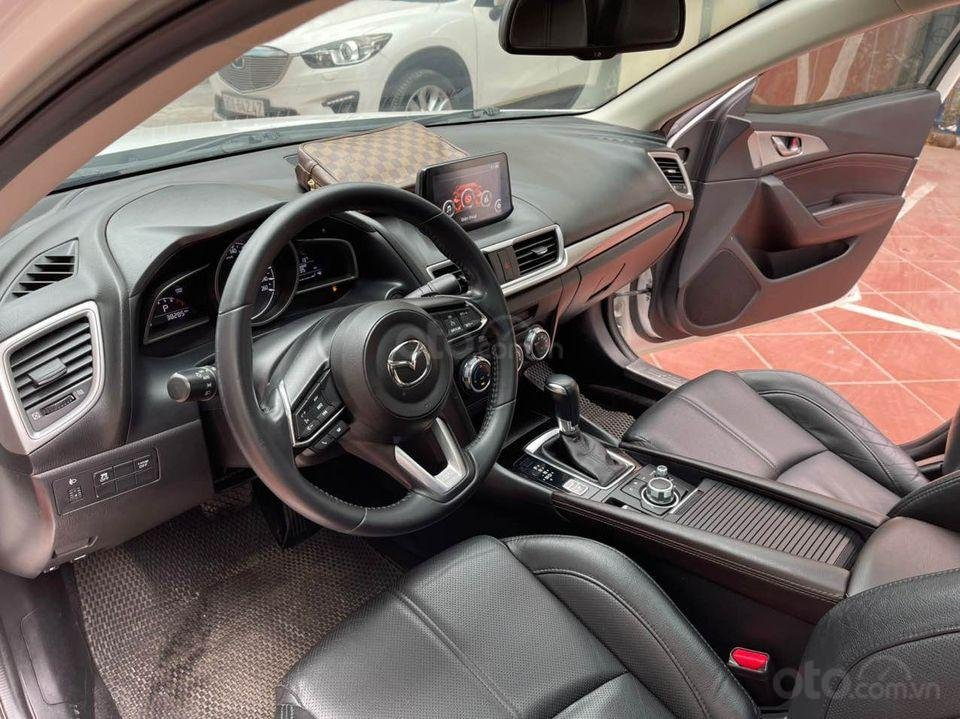 Bán Mazda 3 1.5AT Premium sản xuất 2017, màu trắng (3)