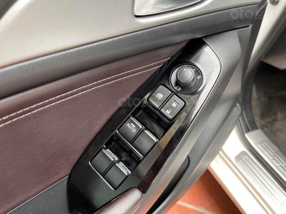 Bán Mazda 3 1.5AT Premium sản xuất 2017, màu trắng (4)