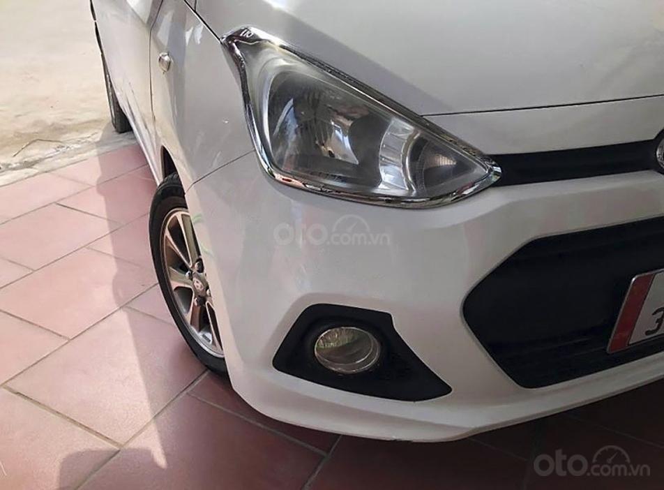 Cần bán xe Hyundai Grand i10 năm 2014, màu trắng (2)