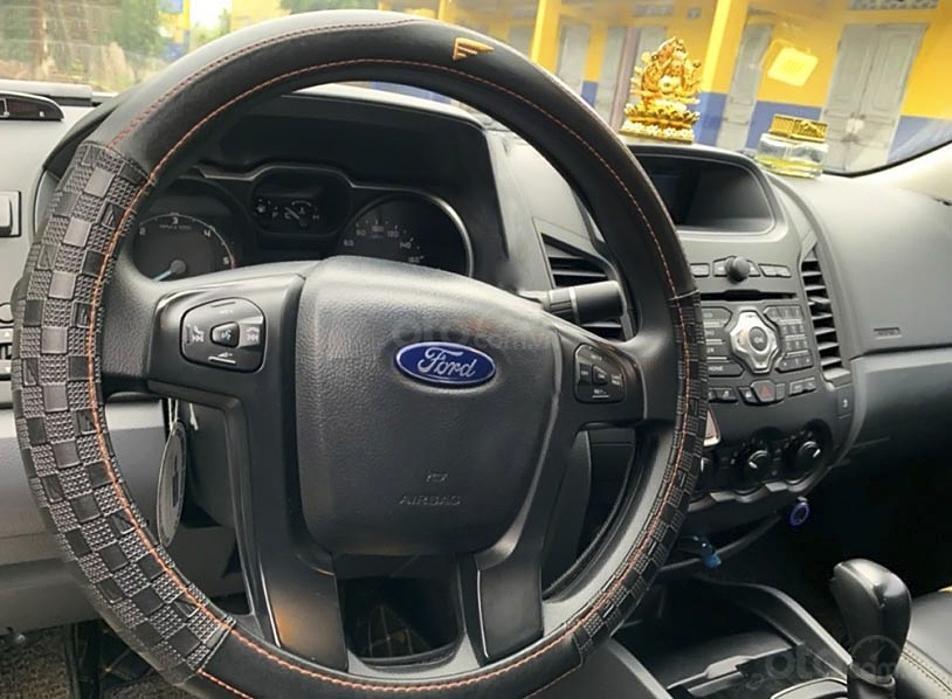 Bán Ford Ranger năm 2017, màu trắng, xe nhập, 585 triệu (2)