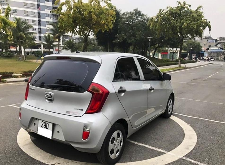Cần bán Kia Morning sản xuất 2013, màu bạc, xe nhập, giá tốt (1)