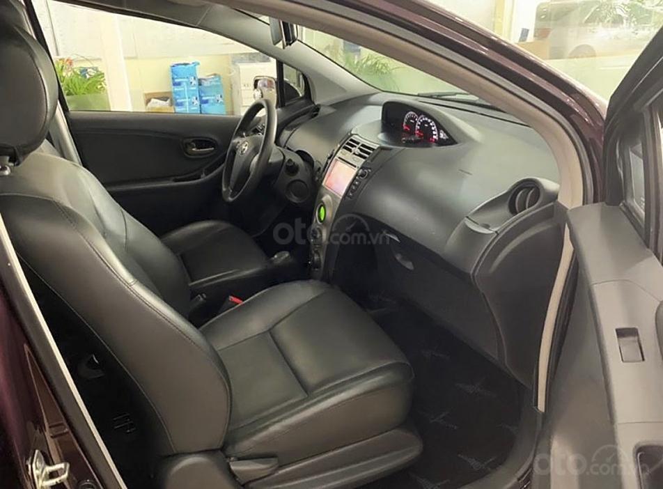 Cần bán xe Toyota Yaris 1.5G sản xuất năm 2011, màu tím, nhập khẩu nguyên chiếc (4)