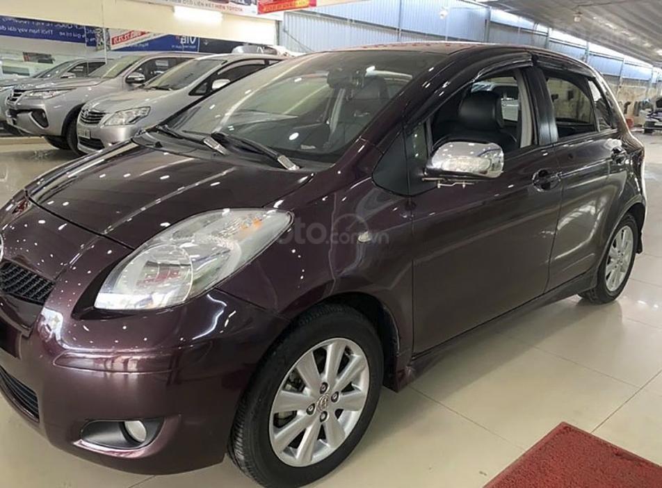 Cần bán xe Toyota Yaris 1.5G sản xuất năm 2011, màu tím, nhập khẩu nguyên chiếc (1)