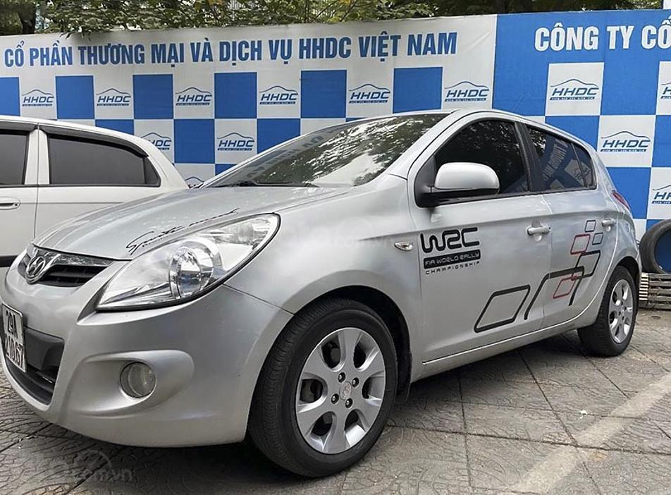 Xe Hyundai i20 năm sản xuất 2011, màu bạc, xe nhập chính chủ (1)