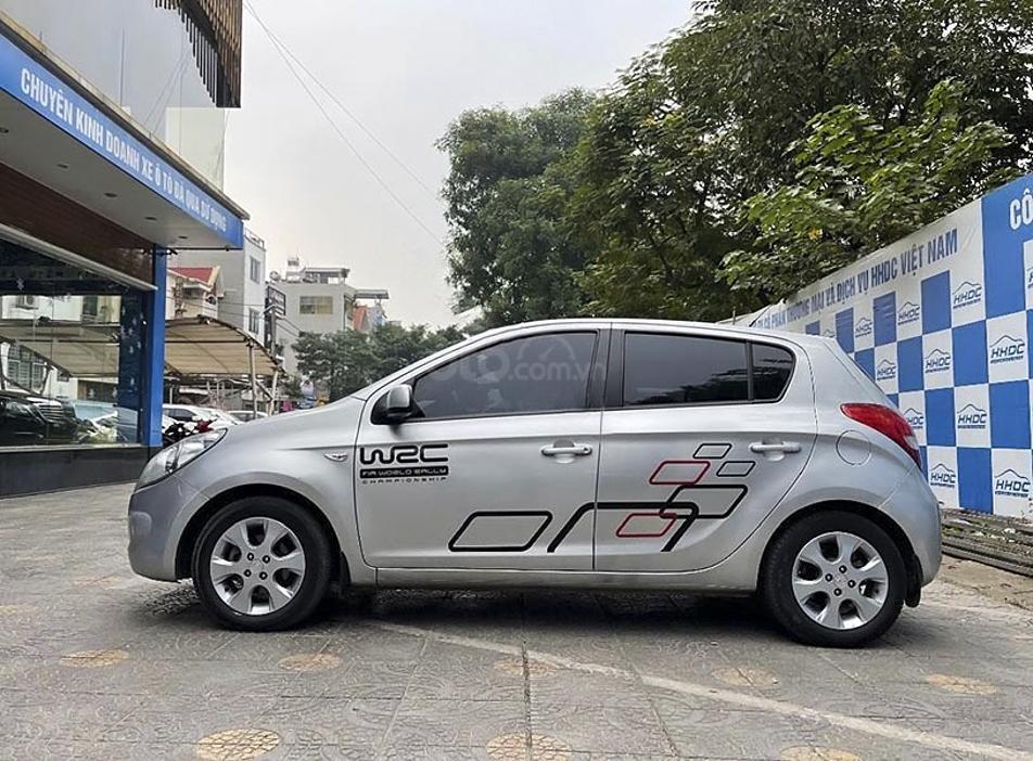 Xe Hyundai i20 năm sản xuất 2011, màu bạc, xe nhập chính chủ (4)