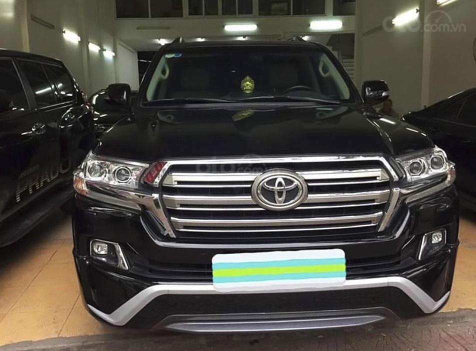 Cần bán Toyota Land Cruiser sản xuất năm 2015, màu đen, nhập khẩu (1)