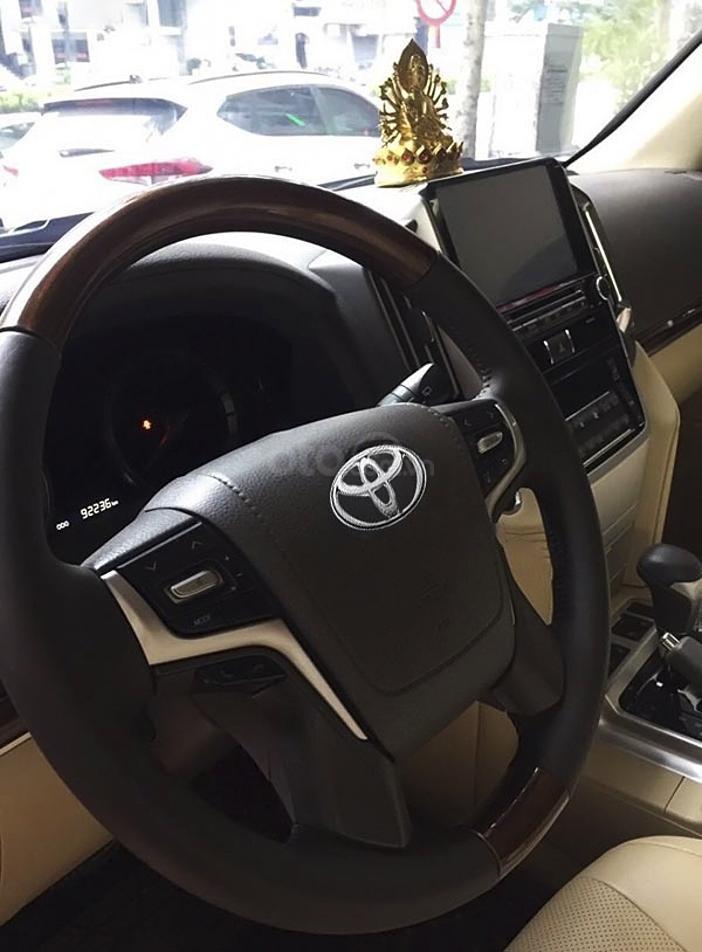 Cần bán Toyota Land Cruiser sản xuất năm 2015, màu đen, nhập khẩu (5)