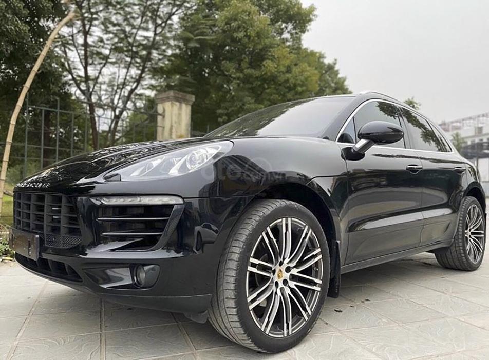Cần bán gấp Porsche Macan sản xuất năm 2015, màu đen, xe nhập (1)