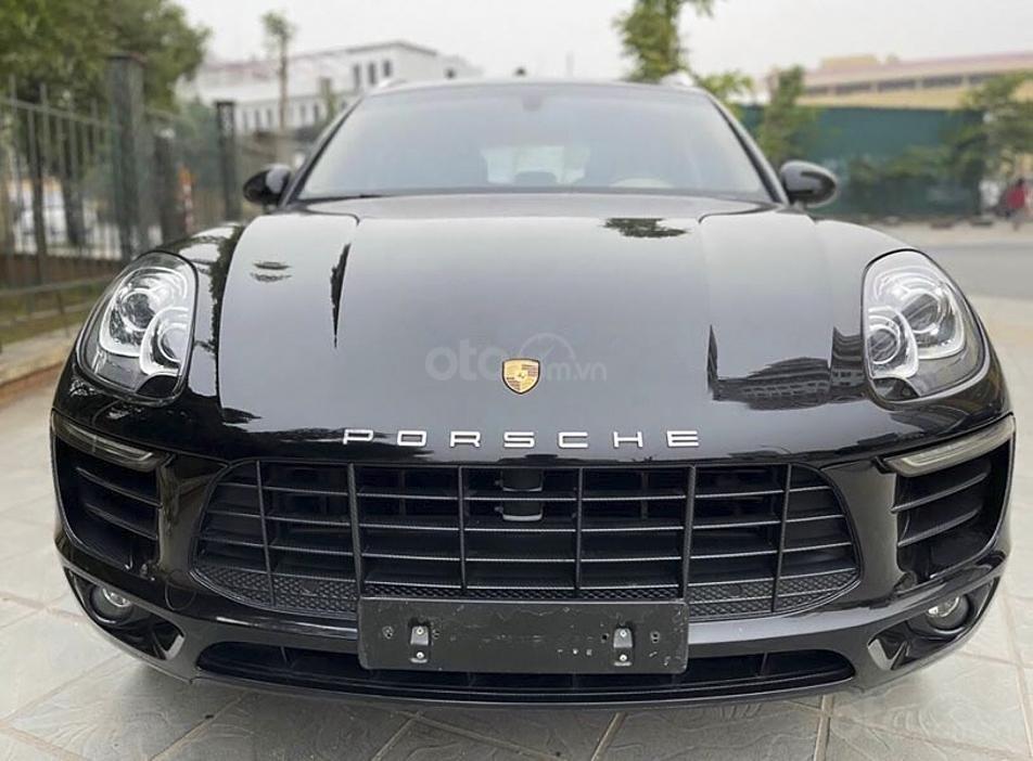 Cần bán gấp Porsche Macan sản xuất năm 2015, màu đen, xe nhập (4)