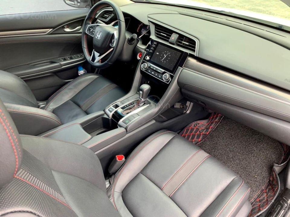 Bán Honda Civic RS 1.5L Turbo 2019, màu trắng như mới (4)