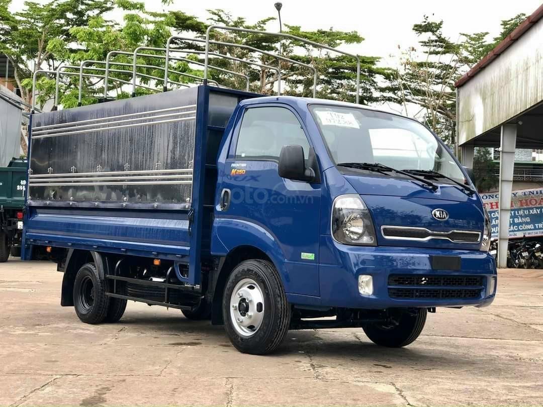Xe tải Kia 2,490kg, xe mới nhất bao đẹp, nội thất sang trọng tiện nghi, giá tốt nhất đặc biệt hỗ trợ ngân hàng duyệt nhanh (3)
