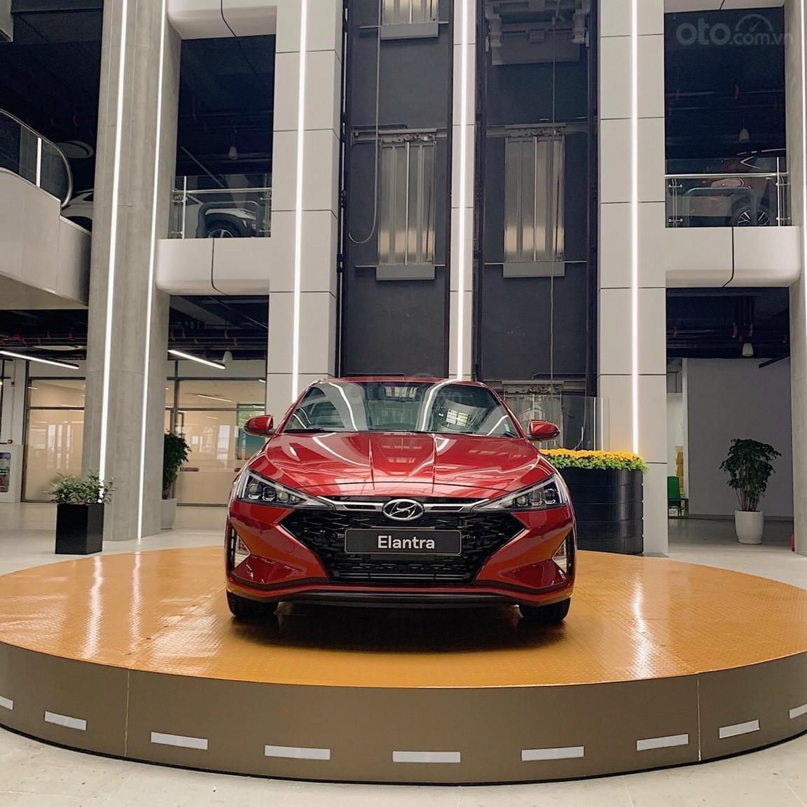 Chỉ từ 150tr đã có xe Hyundai Elantra chính hãng _ giao xe ngay đủ màu + đủ phiên bản, giá tốt nhất miền Nam (2)