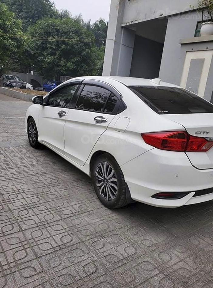 Cần bán gấp Honda City 1.5CVT Top sản xuất 2018, màu trắng (2)
