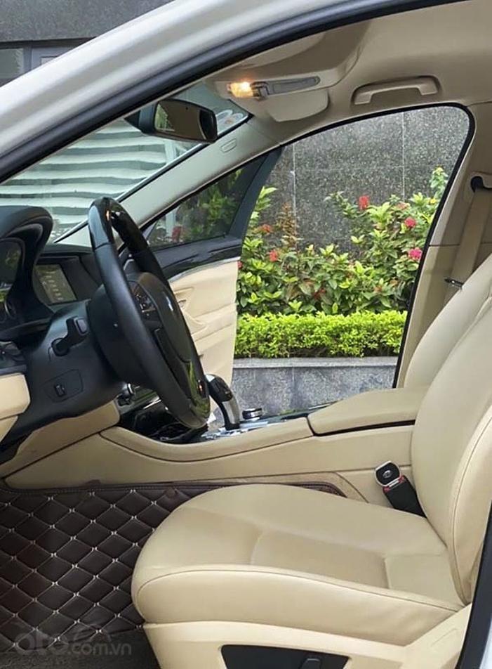 Bán ô tô BMW 5 Series 520i sản xuất 2013, màu trắng, nhập khẩu (2)