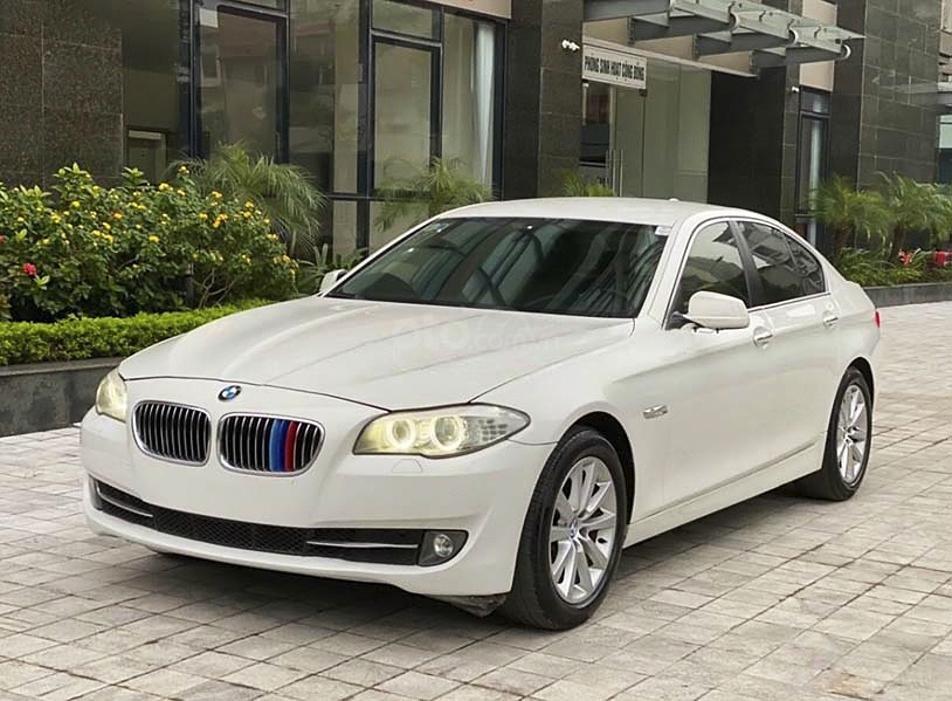 Bán ô tô BMW 5 Series 520i sản xuất 2013, màu trắng, nhập khẩu (1)