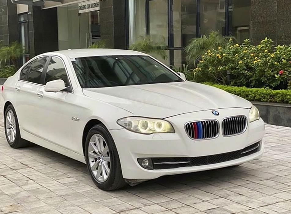 Bán xe BMW 5 Series 520i năm sản xuất 2013, màu trắng, nhập khẩu nguyên chiếc (1)