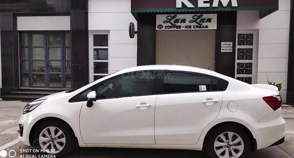 Bán xe Kia Rio 1.4 AT năm 2016, màu trắng, nhập khẩu nguyên chiếc giá cạnh tranh (3)