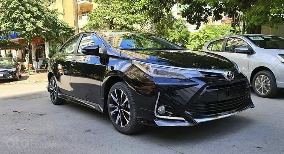Bán ô tô Toyota Corolla Altis 1.8G AT sản xuất 2021, màu đen (1)