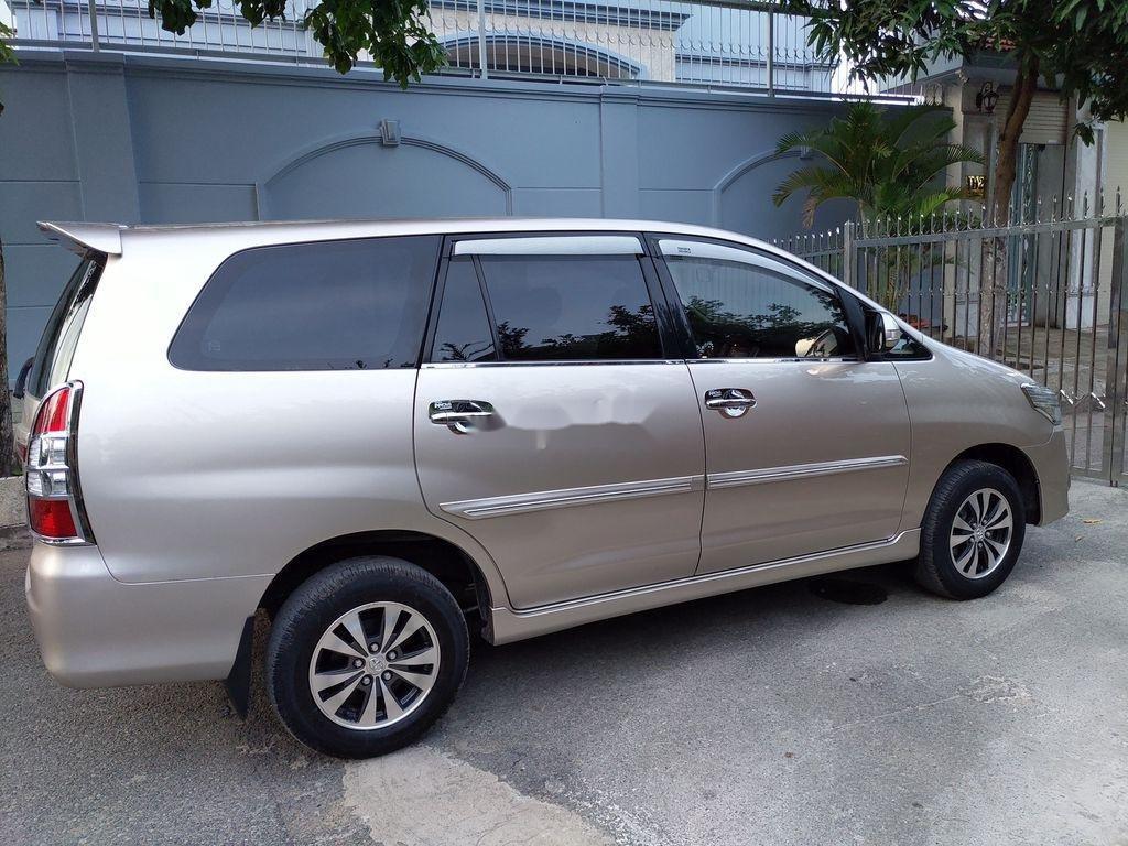 Bán Toyota Innova sản xuất năm 2014 giá cạnh tranh (1)