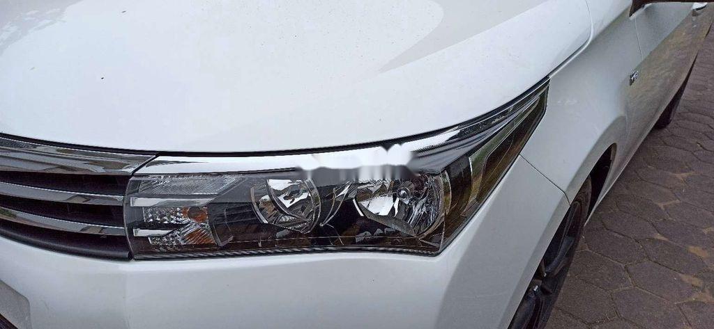 Cần bán lại xe Toyota Corolla Altis năm 2017 còn mới (10)